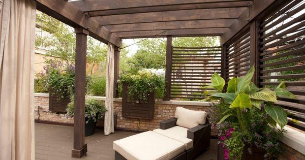 gem liche gut abgeschirmte sitzecke auf der terrasse terrassen berdachung sichtschutz. Black Bedroom Furniture Sets. Home Design Ideas