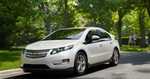 Chevy Volt Gets New 4000 5000 Cash Back Incentives 3 Year Lease Now 269 Month Chevy Volt Chevrolet Volt Electric Cars