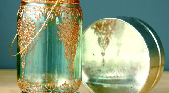 So Pretty! Use Gold Puff Paint to Decorate Old Mason Jars