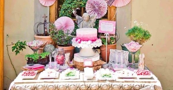 kindergeburtstag buffet organisieren pom pom lila deko girlande f cher pinterest girlanden. Black Bedroom Furniture Sets. Home Design Ideas