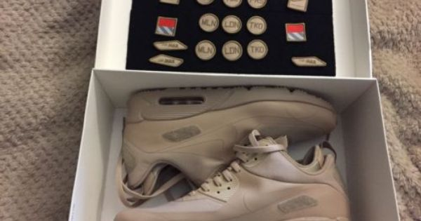 RARE NIKE AIR MAX 90 SNEAKERBOOT SP 704570 200 PATCH PACK