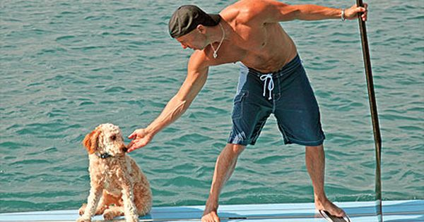 kenny chesney & his golden doodle
