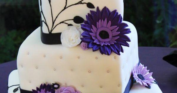 dark purple and white wedding cake:)