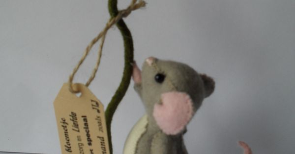 Een bloemetje voor jouw schattig klein pakketje om te maken voor iemand die het nodig heeft - Om een e b e bbinnenkap te creeren ...