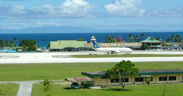 Frans Kaiseipo Airport Biak Dengan Gambar Indonesia Jaya