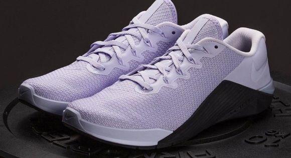 NEW Nike Metcon 5 NWT | Nike metcon, New nike, Womens shoes