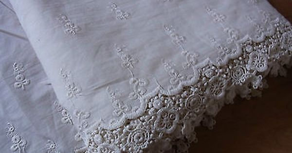 """Scalloped Off White Eyelet Lace Edging 1¼/"""" wide"""