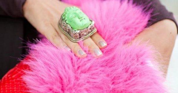 neon pink fur // me-OW