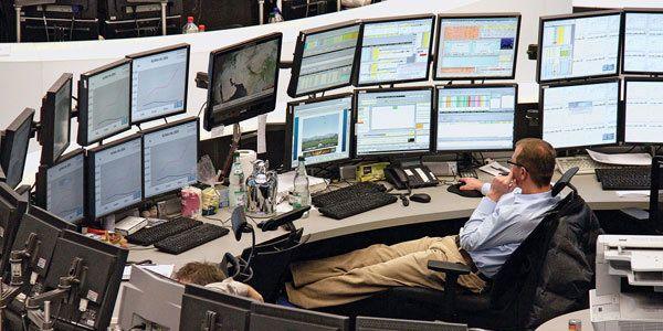 FX Dealing desk…WOW | Trade finance, Business finance, Stock market courses