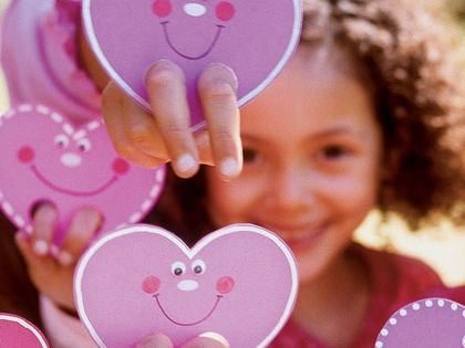 Valentine's Day Craft: DIY Valentine Card Finger Puppet
