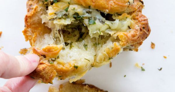 Easy cheese, Roasted garlic and Garlic bread on Pinterest