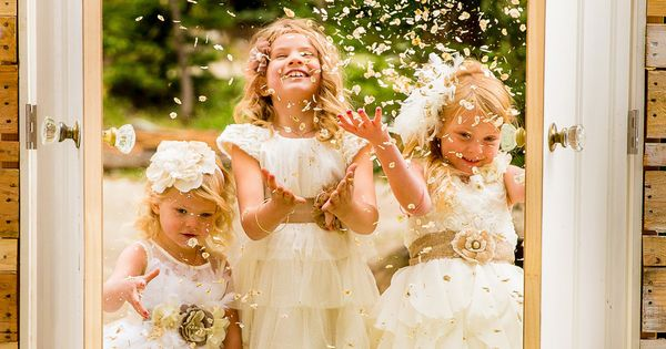 Wedding Bouquets Kamloops : Flower girls throwing pedals as they enter through