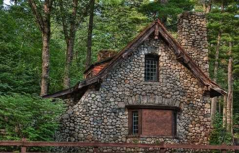 love this Old Stone Cottage! I would like to have it be