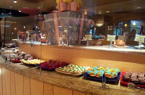 Get Away Today Vacations Official Site Goofy 39 S Kitchen In Disneyland Hotel Disney