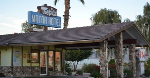 Tropics Motor Hotel Indio California Offering An Outdoor Swimming Pool This Historic Indio Motel Features Guest R Vacation Hotel Air Conditioning Room Hotel
