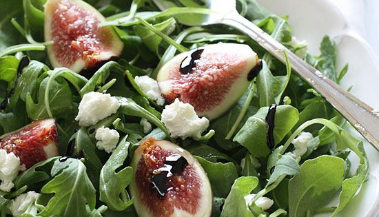 Fresh Fig and Arugula Salad with Goat Cheese - A beautiful salad