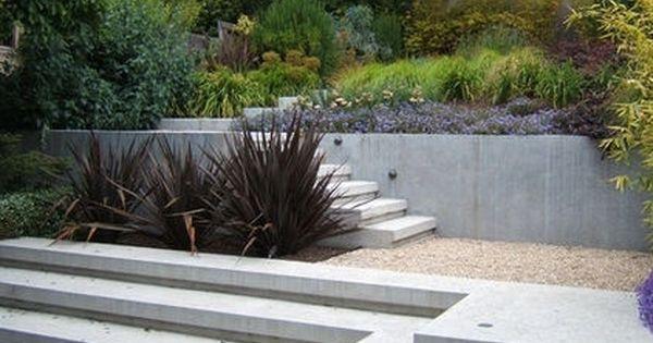 gartengestaltung landschaftsbau treppen beton st tzmauer. Black Bedroom Furniture Sets. Home Design Ideas