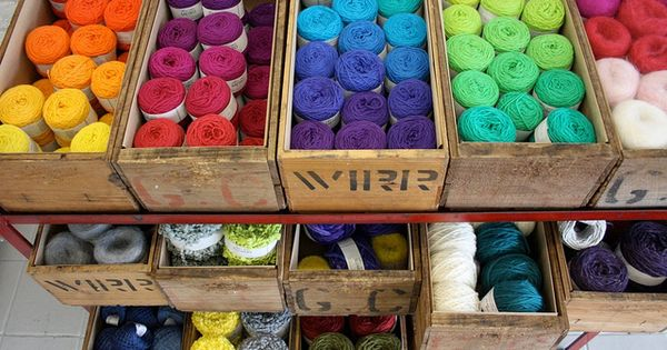 #organizing for your new Craft room: Old drawers used as a yarn