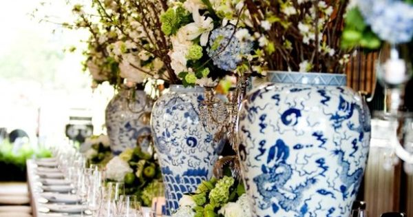 This gorgeous blue and white table setting makes me want to plan