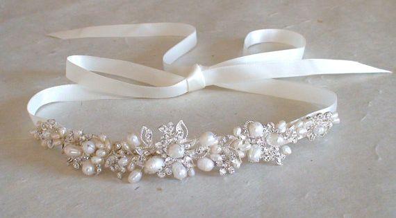 Pearl Wedding headband. Bridal head piece.