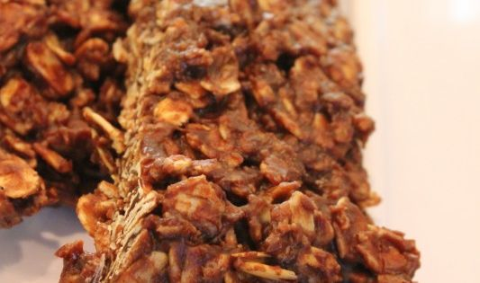 Gluten free! 3 Minute Microwave Chocolate Peanut Butter & Oat Snack Bars