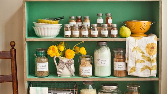 Cute farmhouse kitchen shelves. Great idea for a low-cupboard-space situation!