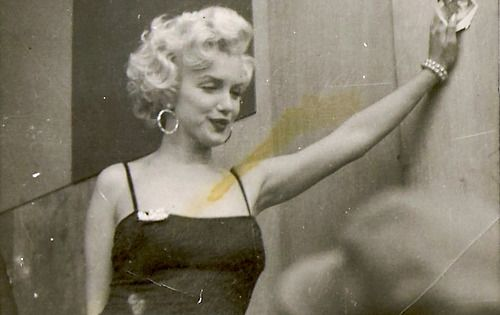Marilyn Monroe in Korea, February 1954...what's amazing to me about this picture