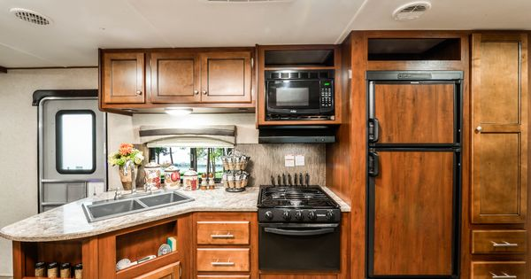 Stay organized with trailrunner 275 odk 39 s kitchen for Additional shelves for kitchen cabinets