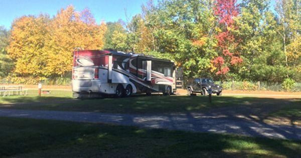 Brattleboro Vt Pull Through 50 30 20 Amp Rv Sites Kampfires Vermont Brattleboro Campground And Inn Rv Sites Vermont New England Travel