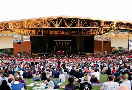 White River Amphitheater Auburn Beautiful Place For A Concert Really Pretty Intimate But Thumbs Down Awful To Ge Beautiful Places Places Great Places