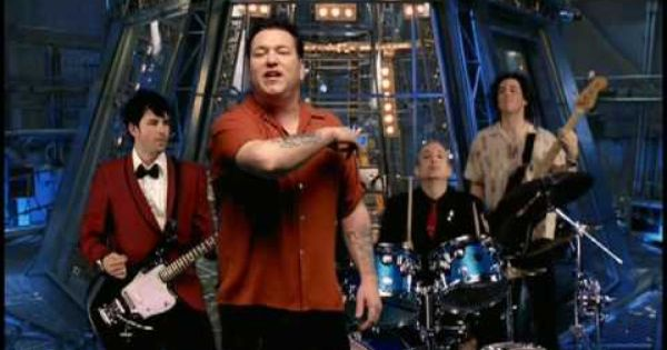 Smash Mouth Holiday In My Head By Far One Of My Favorite Songs Of All Time The Movie Clockstoppers Was A Favorite When I Wa Music Live Music Concert
