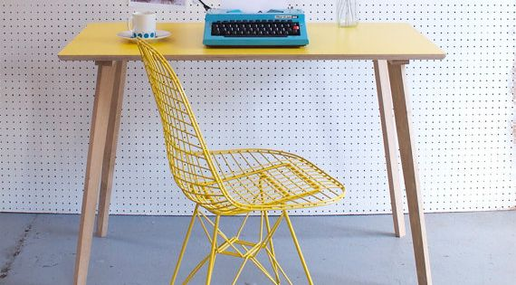 Perky formica table desk in yellow chinos pinterest for Sillas para viejitos