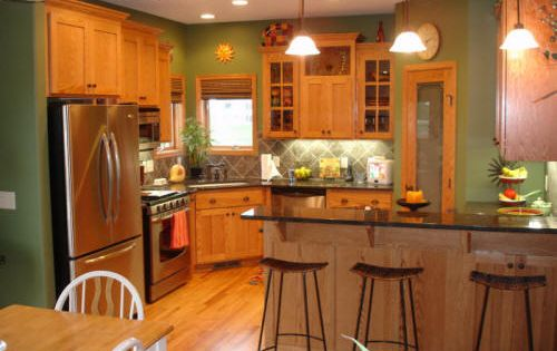 paint colors for dark woodwork | paint color for a kitchen cabinet