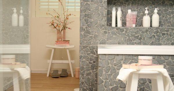 De artikelen gebruikt voor deze badkamer kan je vinden op for Badkamer artikelen