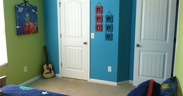 Boys's Bedroom. Painted Two Walls Green And The Other As