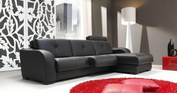 Sal n en negro y blanco con toques de color rojo por - Salones con sofa negro ...