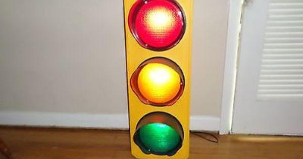 Plastic 3 Light Traffic Signal Lamp Kids Room Man Cave Prop Transportation