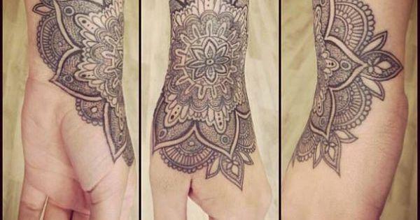 Photos tatouage mandala avant bras femme page 2 tatouage pinterest photos mandalas et - Tatouage bande bras ...