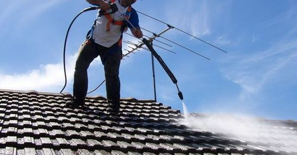 How To Use A Pressurewasher Safely And Effectively Http Www Pressurewashertoday Com How To Use Clea Pressure Washing Cleaning Gutters Best Pressure Washer
