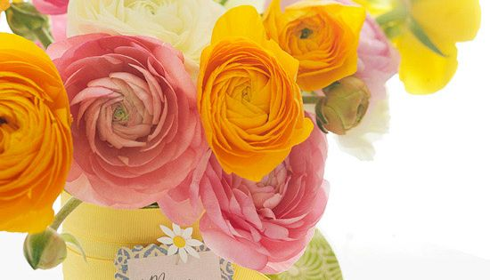 Pretty Flower Arrangements! These spring colors are beautiful.