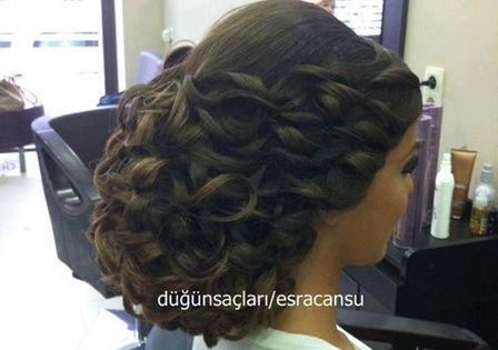15 Wunderschone Arabische Hochsteckfrisuren Sollten Sie Versuchen Arabische Hochsteckfrisuren Sollte Arabische Frisuren Haar Styling Frisur Hochgesteckt