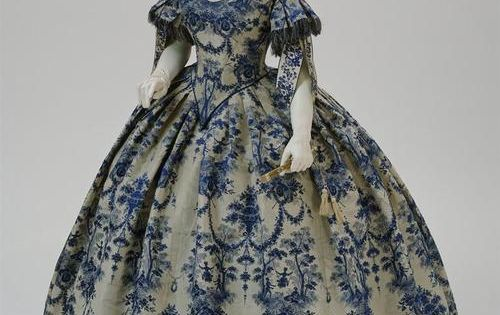 1850-1855 French evening dress Philadelphia Museum of Art -I want to be