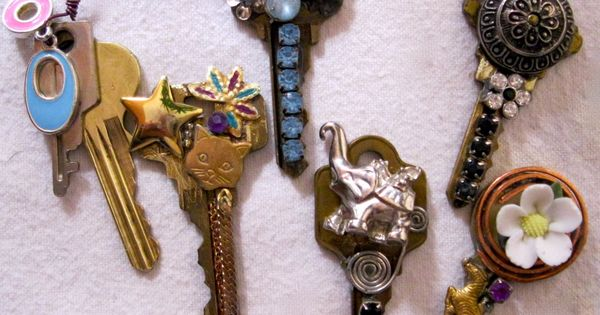 repurposed key necklaces. Awesome!