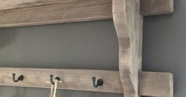 Mooi grijze muur met hout ertegen kinderkamer bram pinterest muur hout en kapstok - Grijze en rode muur ...