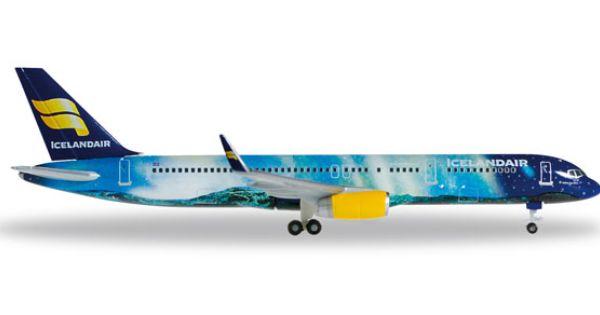 Boeing 757 200 Icelandair Hekla Aurora Borealis Tf Fiu Boeing Aircraft Aurora
