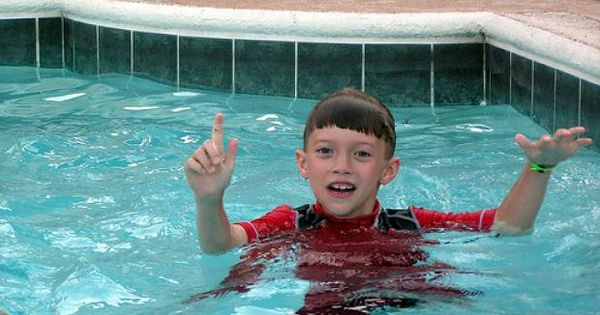 teaching swimming lessons to kids with autism Teaching a child with autism how to swim isn't a sprint it's a marathon here's 10 things every parent oughta know so that you can cross that finish line.