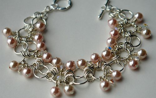 Sweet Peach Chainmaille Bracelet - So delicate! Click on the link for