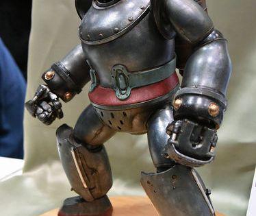重さ2kg超 全高37cmの重厚な 鉄人28号 フィギュア リペイント 鉄人 ロボット キャラクター