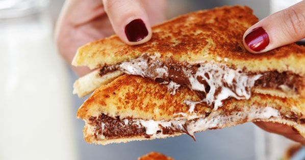 Grilled nutella and marshmallow sandwich Food Drink Trusper Tip