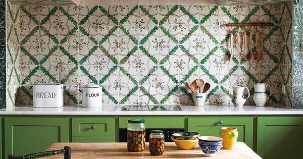 La cocina de un antiguo convento cerca de sevilla tiene for Azulejos antiguos sevilla